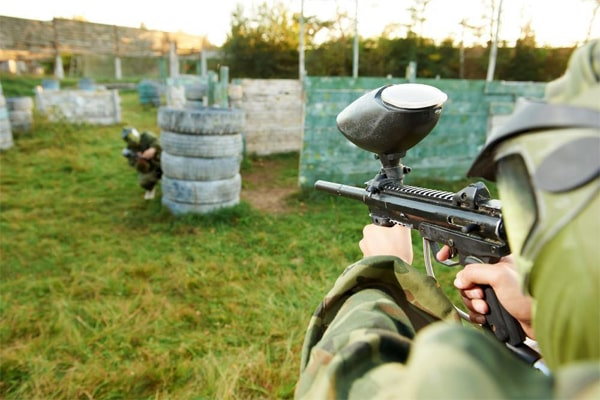 how far can a paintball gun shoot 3