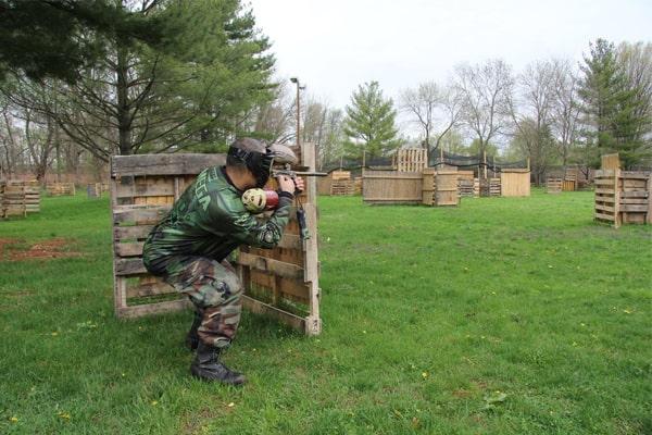 how far can a paintball gun shoot 1